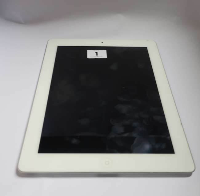 An Apple iPad 2 (Wi-Fi Only) 16GB model A1395 (Serial number: DN6G84C4DKPH) (Activation clear).