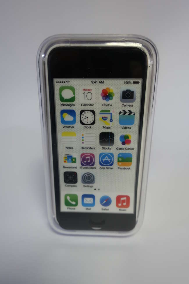 A boxed as new iPhone 5C 32GB in white (IMEI; 358823051141516).