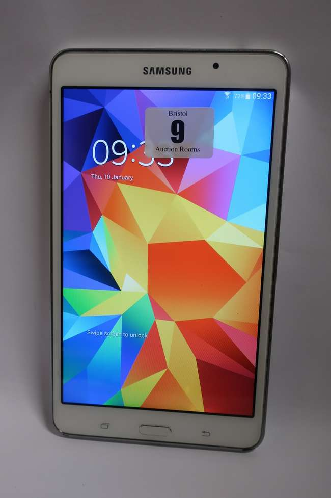A Samsung Galaxy Tab 4 SM-T230 8GB Wi-Fi 7 Tablet in White (Serial: R52FA0V7PJV) (FRP clear).