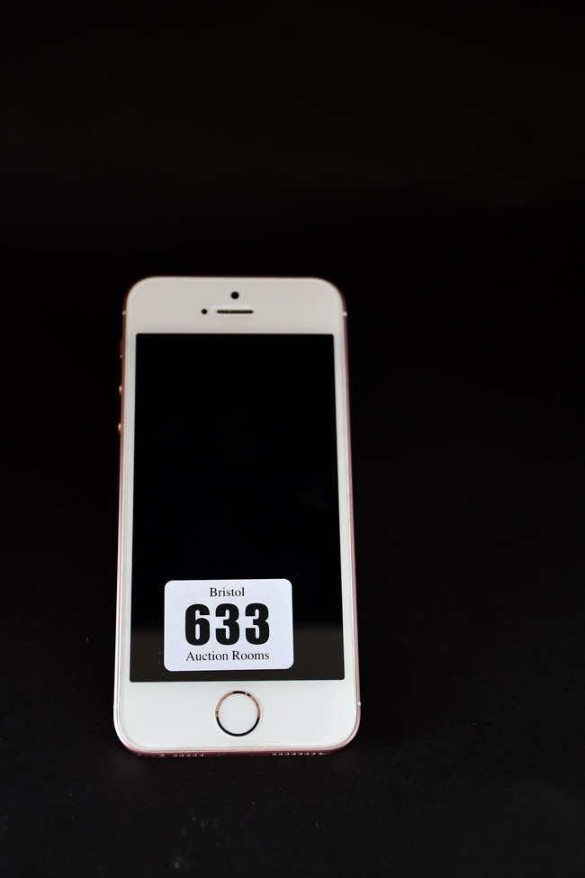A pre-owned iPhone SE A1723 32GB in Rose Gold (IMEI: 353067095163715) (Activation clear).