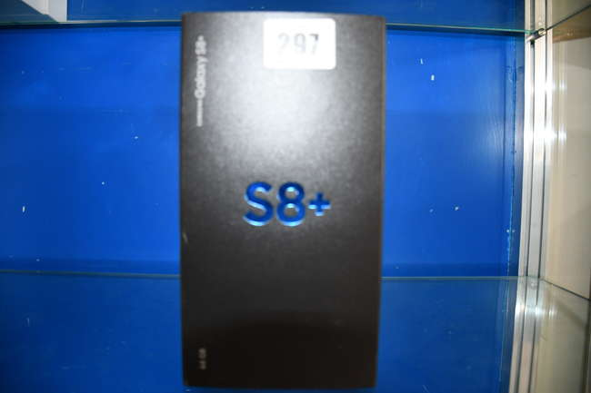 A boxed as new Samsung S8+ SM-G955FD 64GB in Midnight Black (IMEI: 359116082938953) (Box sealed).