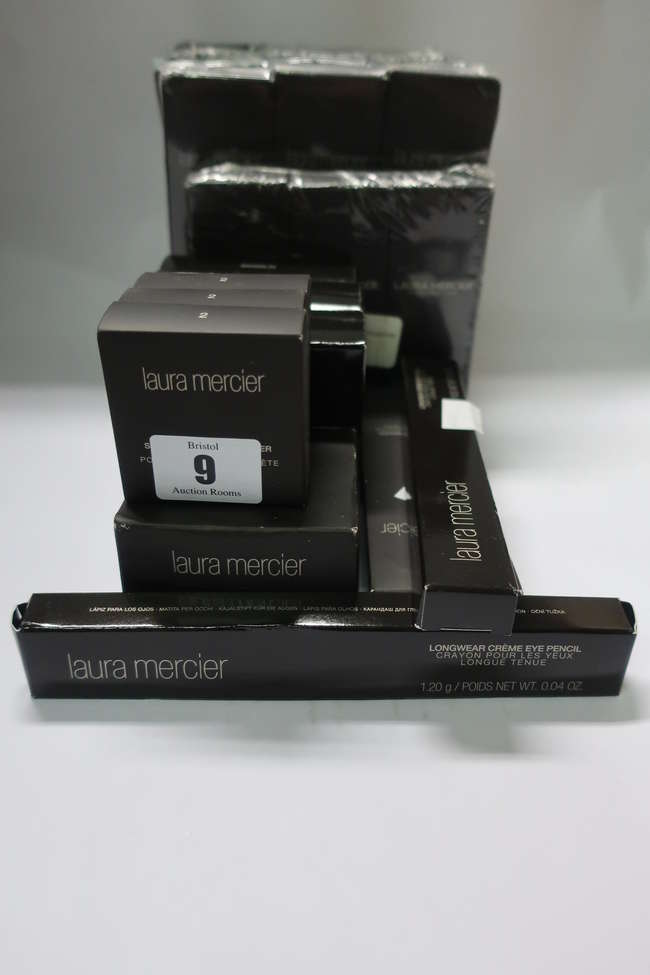 A quantity of as new miscellaneous Laura Mercier beauty products to include ten foundation primers (50ml), three tinted moisturisers (50ml), three Flawless Lumiere radiance-perfecting foundations (30ml) and three Matte Radiance baked powders (7.50g).