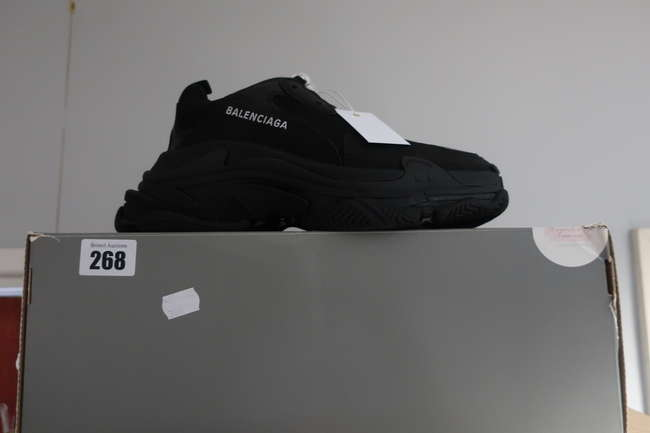 One pair of boxed as new Balenciaga Triple S sneakers in black (EU 40).