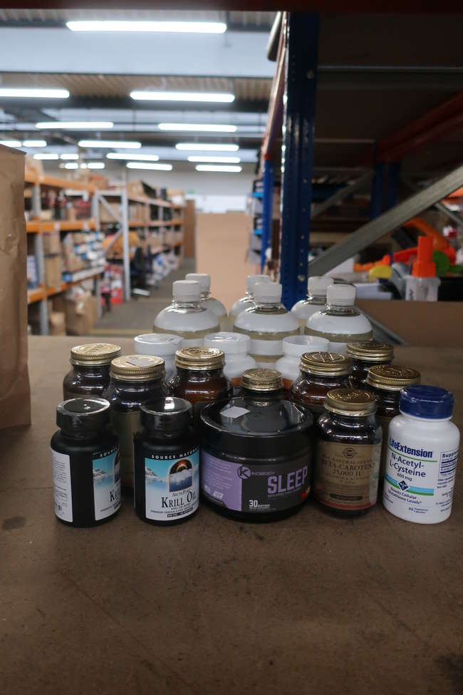 An quantity of as new Healthy living supplements to include Solgar Vitamin E, Source Naturals Krill oil, Kinobody night time sleep aid etc