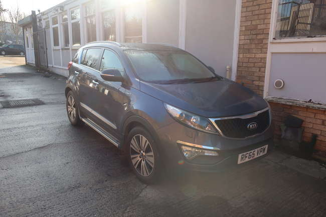 A 2015 Kia Sportage 2.0 KX-3 CDRI Sat Nav five door estate