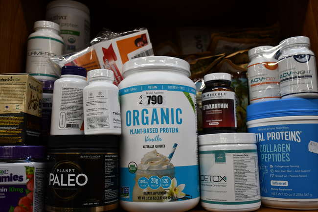 A quantity of as new health and fitness supplements to include 22 Days Nutrition organic plant based-protein, Planet Paleo primal goddess and Science-Based Green Detox drink.