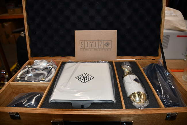 A boxed as new Soyuz Large Diaphram Condenser Microphone. Model 017 Tube (RRP $3999).