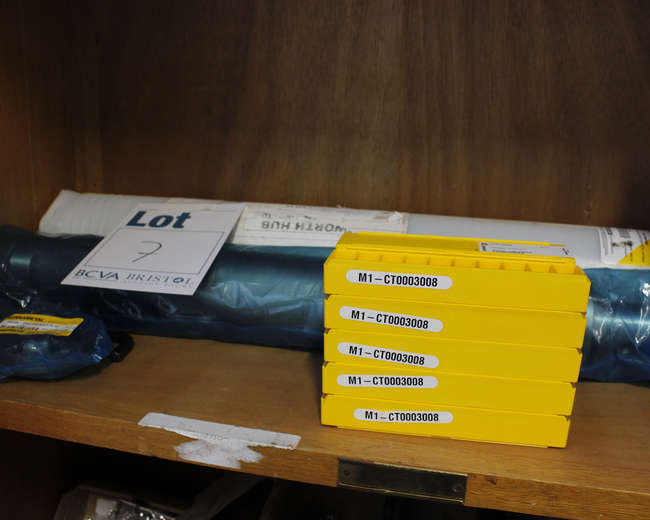 Kennametal HTS Extension diameter; 70/70/L. 514ml and 10 boxes of Kennametal crank shaft turning inserts.
