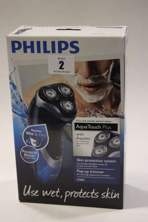 Two Philips Aqua Touch Plus AT890 wet and dry electric shavers (Boxed as new).