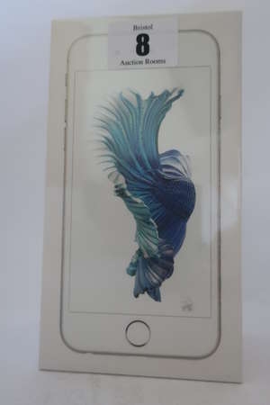 An as new iPhone 6s silver 16GB, IMEI: 355420079349941