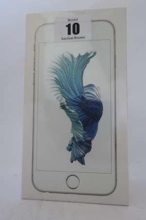 An as new iPhone 6s silver 16GB, IMEI: 355413072007657