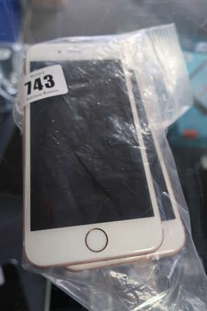Two Apple iPhone 6s A1633...