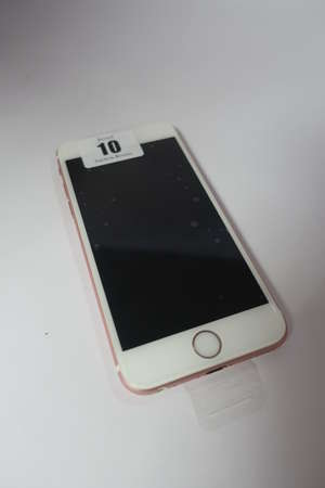 A refurbished iPhone 6S 16GB A1688 in Rose Gold (IMEI: 355688073922679) (Activation clear).