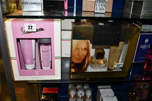 Six Heidi Klum shine gift sets and seven Vespa for her gift sets.