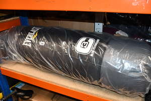 One as new Everlast C3...