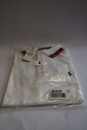 An as new Ralph Lauren broad tipped collar polo (M - RRP £105).