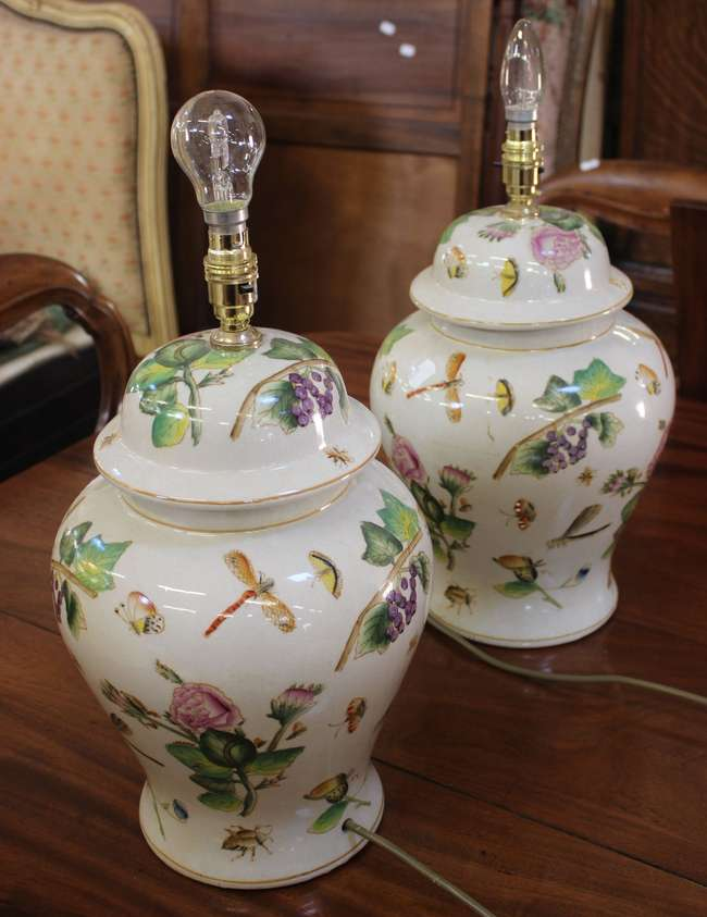 A Pair Of India Jane Table Lamps Lot, Table Lamps India Jane