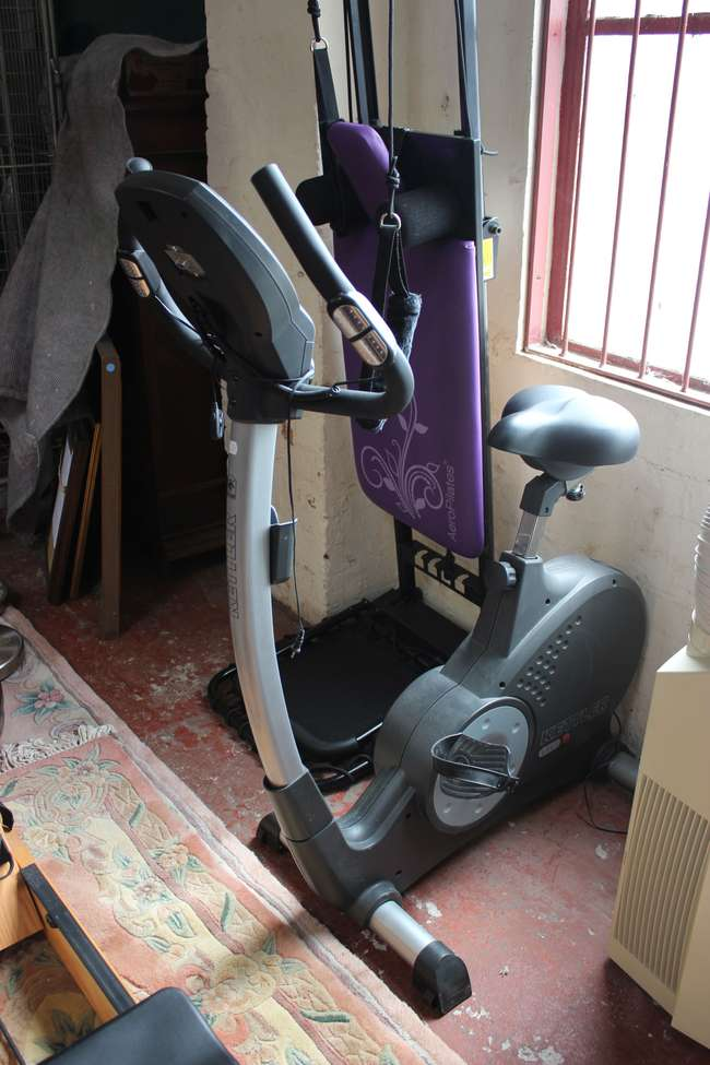 Verwonderend Exercise Machine: a Kettler Golf 'E' static bike | Lot 315 | 10, BC-08