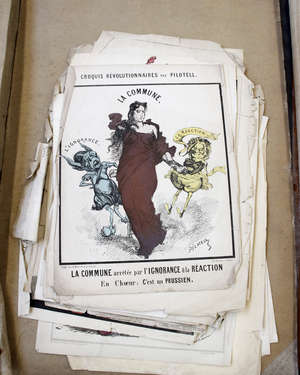 A collection of printed material relating to 'La Commune' and 'La Calotte' (qty)