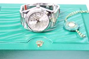 A Rolex Oyster perpetual stainless steel date just Gentleman's automatic wristwatch. Superlative chronometer movement. 41mm with fluted bezel